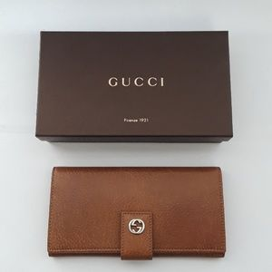 New inbox 100% authentic Gucci wallet. 337335